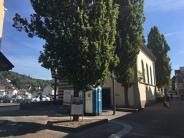 Baumaßnahmen Platz an der Servitessenkirche
