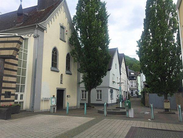 Dr.-Sigmund-Wolf-Platz