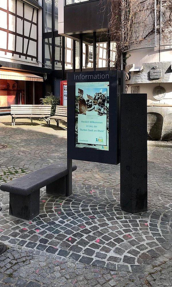 Informationsbildschirm Mittelstraße